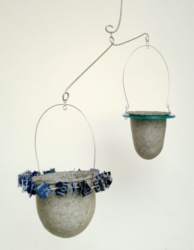 Two suspended vessels in stainless steel mobile